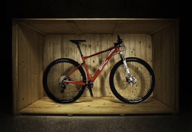OLIVERBURGESS-¬BMC XC ZOPEN BOX-RED.1