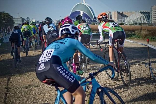 Triunfos de Lucía González y de Felipe Orts en el Ciclocross Internacional Ciudad de Valencia